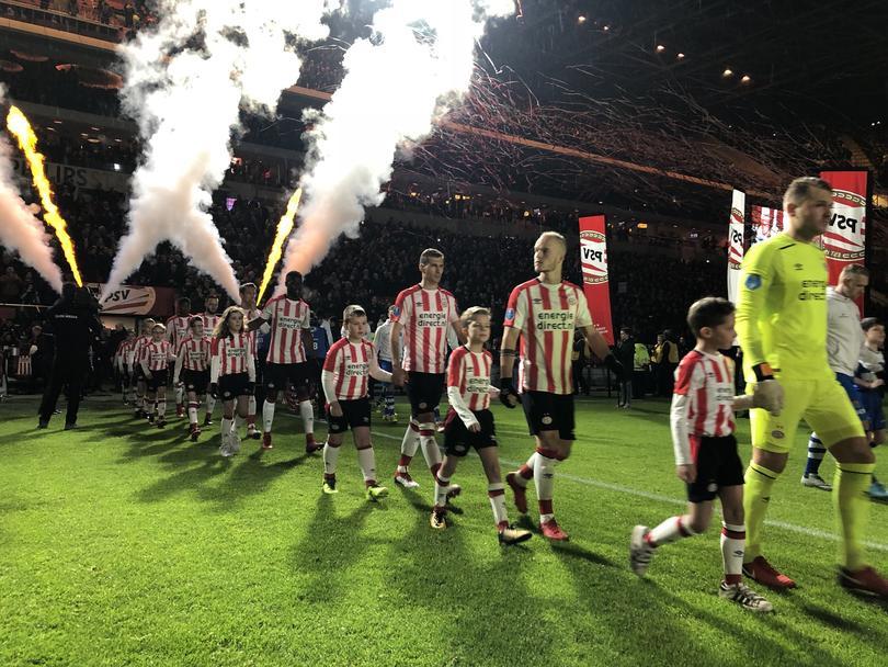 PSV entra al campo