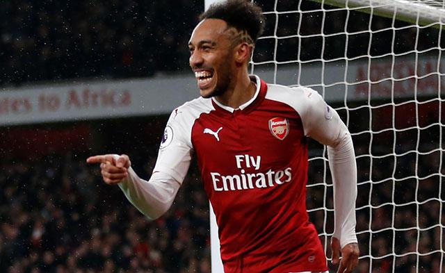Aubameyang en su debut con el Arsenal