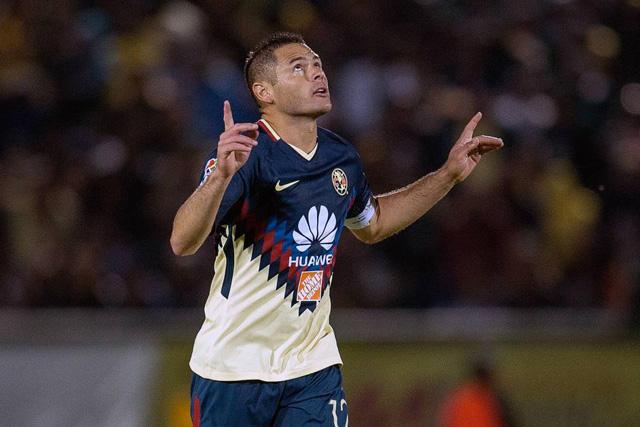 Pablo Aguilar con el América