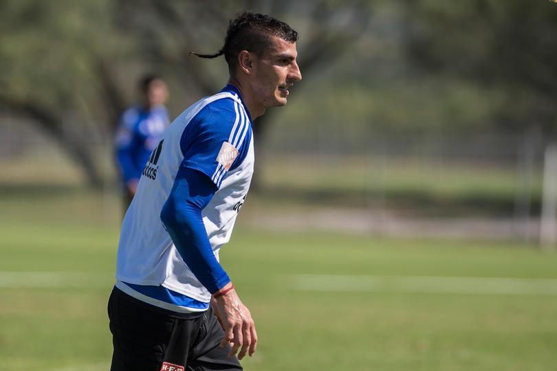 Nahuel Guzman entrenando de cara al partido de vuelta vs el Herediano