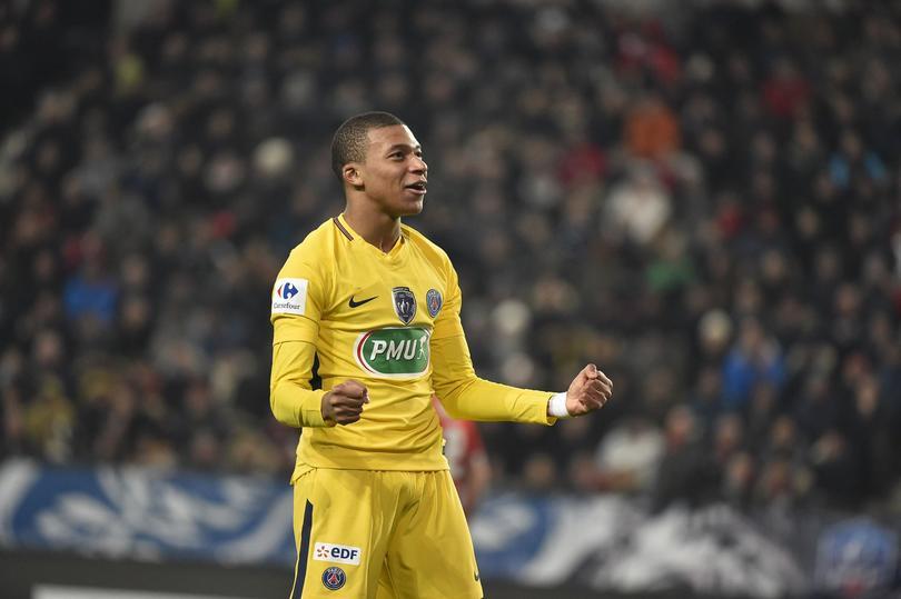 Mbappe lleva 16 goles anotados esta temporada.