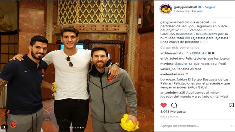 Peñalba junto a Messi y Suárez