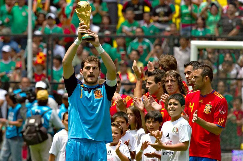 Iker Casillas en el Azteca