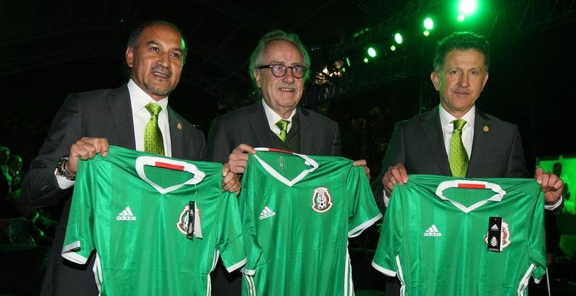 Los jerseys más bonitos de la Selección Mexicana 397d45e9ac487