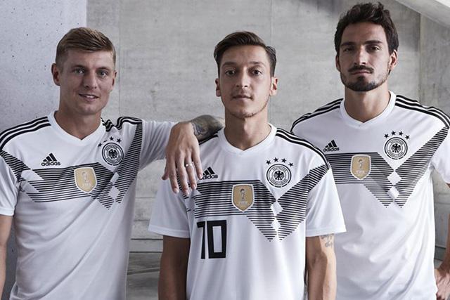 Uniforme de Alemania 2018