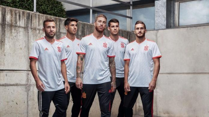 Uniforme de visitante de España para Rusia 2018