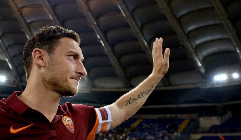Franceso Totti diciendo adios