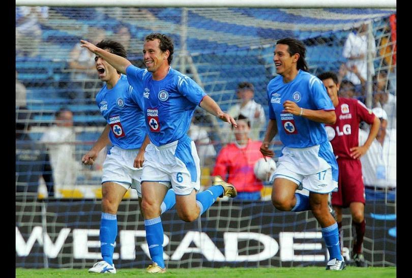 Cruz Azul festejando un gol contra Morelia