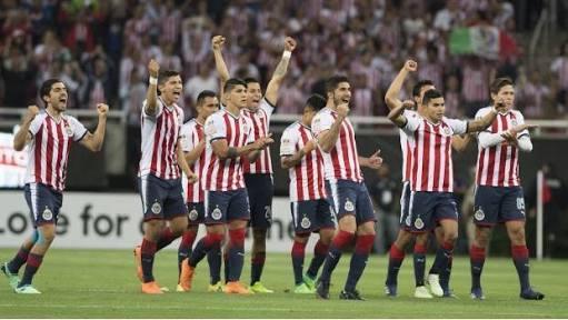 Chivas celebrando el campeonato