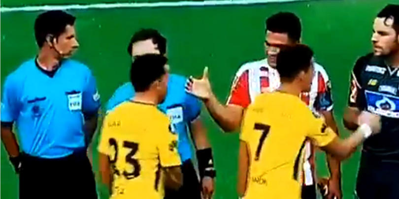 Junior-Boca, Copa Libertadores antes de empezar el partido los jugadores no estrecharon mano
