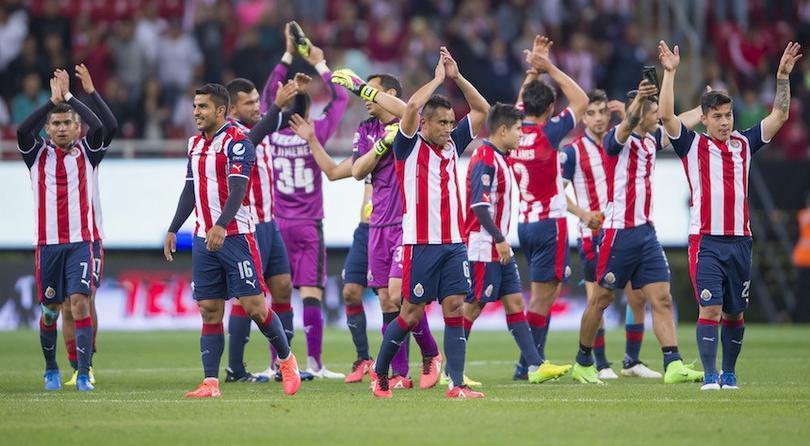 Festejo del equipo de Guadalajara