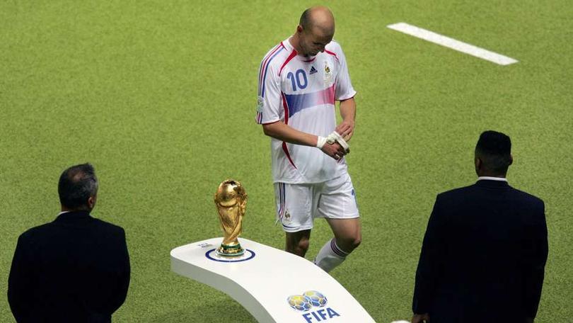 Zidane saliedo de la final del Mundial