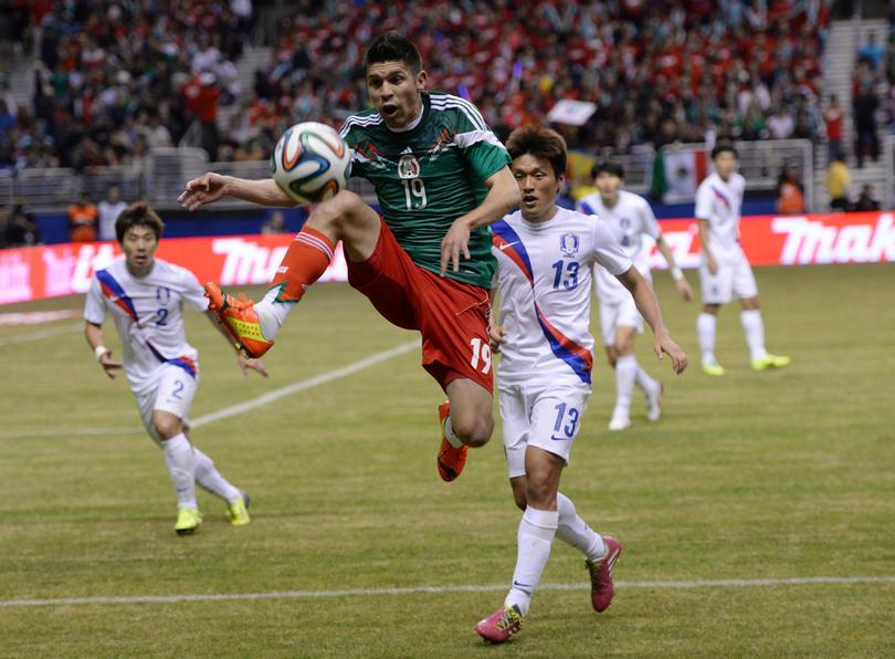 Oribe Peralta en el amistoso vs Corea del Sur del 2014