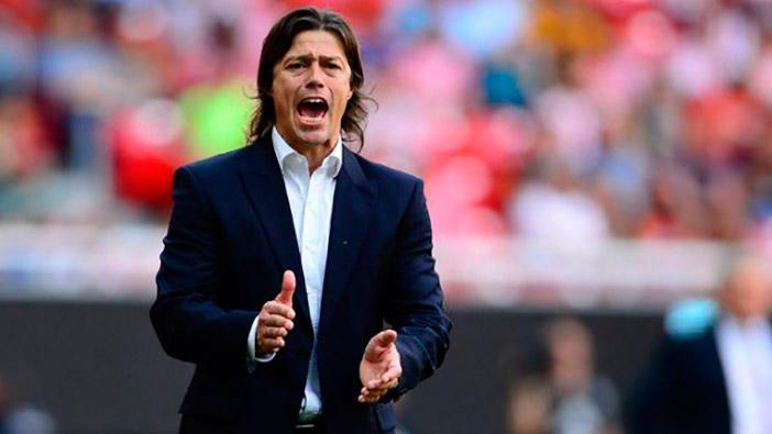 Matías Almeyda es buscado para dirigir un equipo de la segunda división de Inglaterra.