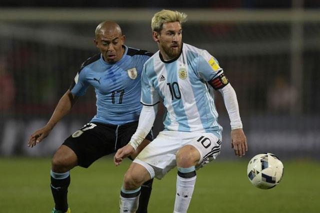Egidio Arévalo y Lionel Messi
