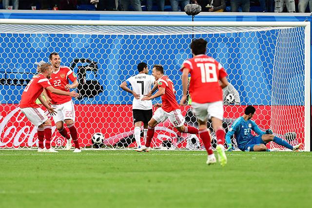 Cheryshev celebra su gol ante Egipto