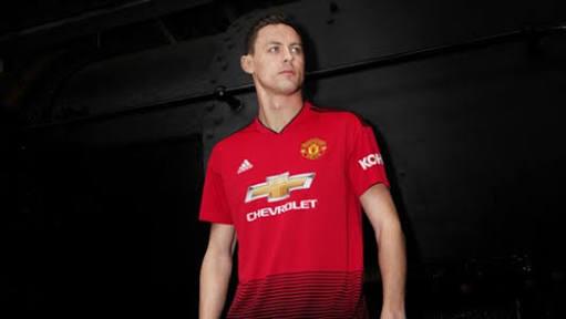 Matic en la campaña publicitaria del Jersey del Manchester United