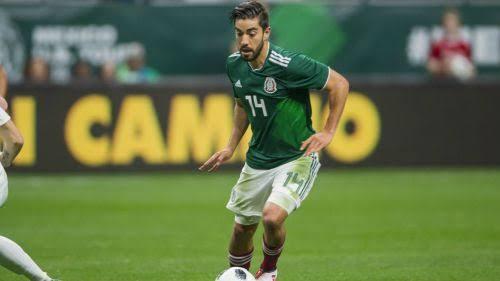 Pizarro en un amistoso contra Bosnia