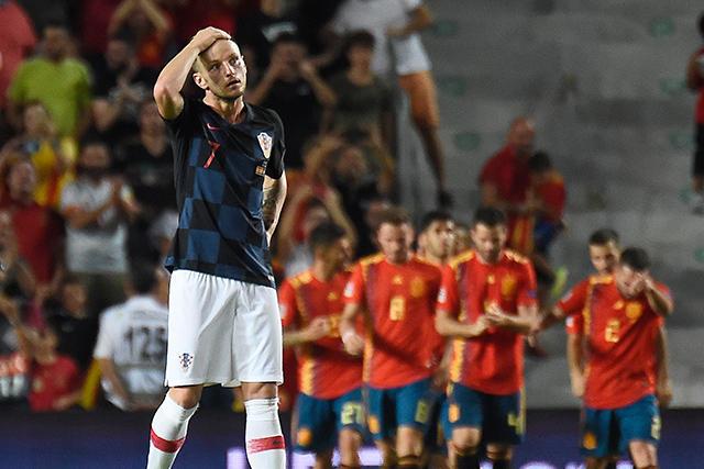 Ivan Rakitic después de un gol de España