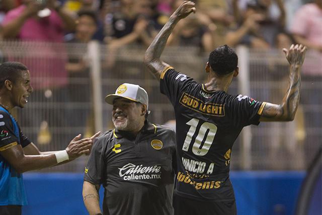 Diego Maradona y Vinicio Angulo