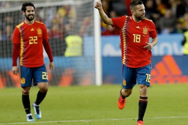 Isco y Jordi Alba con la selección de España