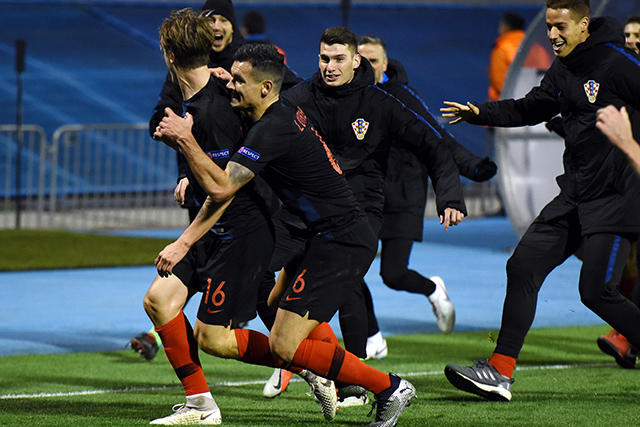 Croacia celebra el gol de último minuto contra España