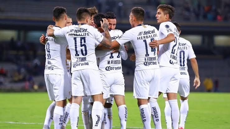Pumas celebrando un gol en Copa MX