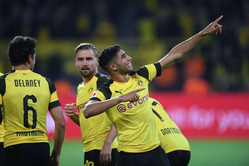 Hakimi celebrando un gol