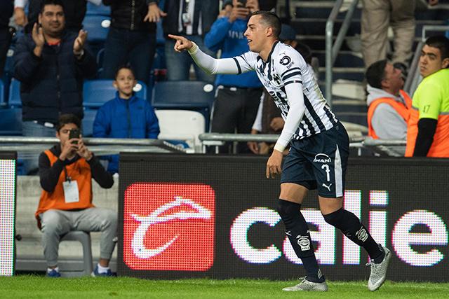 Rogelio Funes Mori celebra su gol contra Santos