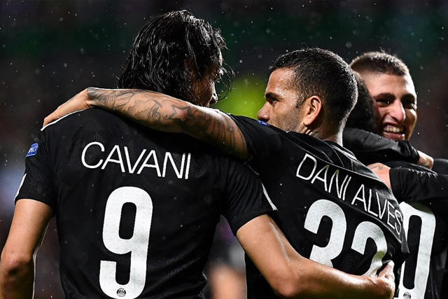Edinson Cavani y Dani Alves