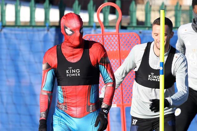 Jamie Vardy disfrazado de Spider-Man