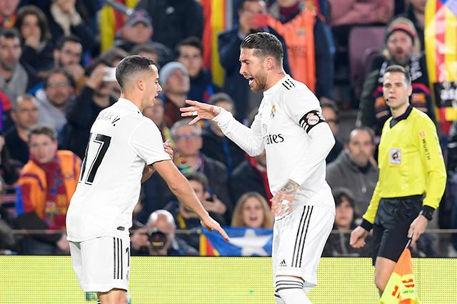 Lucas Vázquez celebra con Sergio Ramos