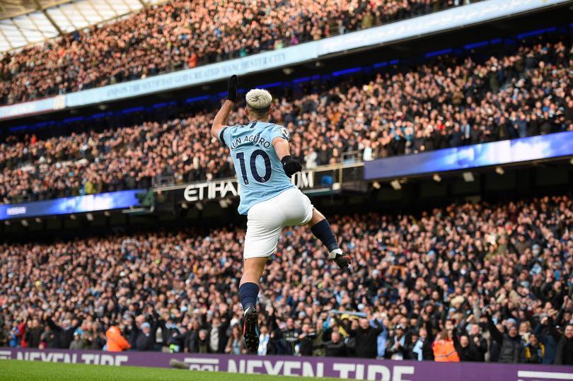 Agüero festejando su gol ante Chelsea