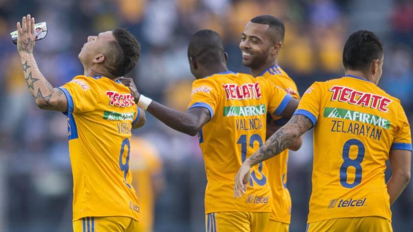 El delantero nacional convirtió desde fuera del área para sumar tres conquistas en la Liga MX.