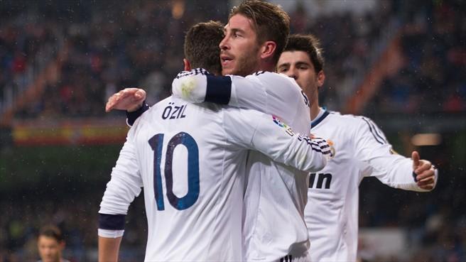 Sergio Ramos y Mezut Ozil