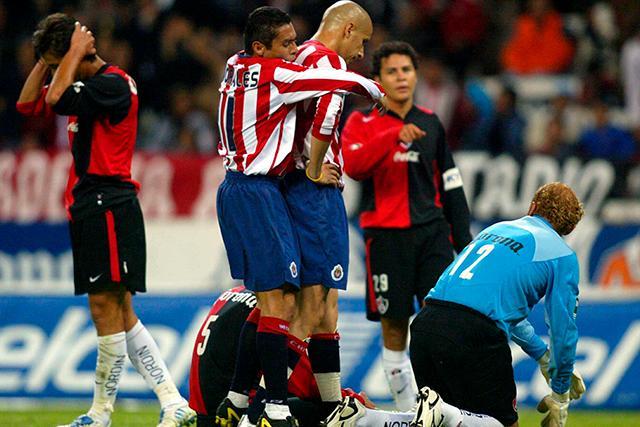 El no festejo de gol del Bofo Bautista contra Atlas
