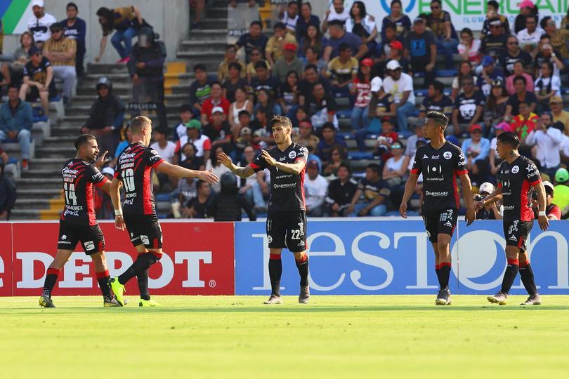 Lobos vence a Pumas en Puebla