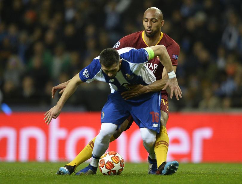 Héctor Herrera vs Roma