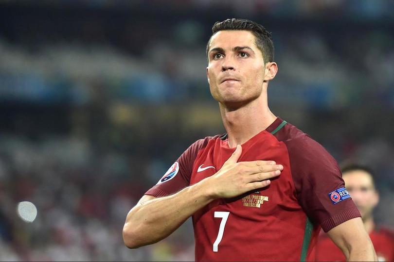 Cristiano Ronaldo festejando un gol con Portugal