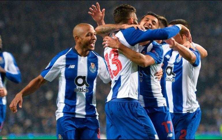 Corona anota en la victoria del Porto contra el Vitese