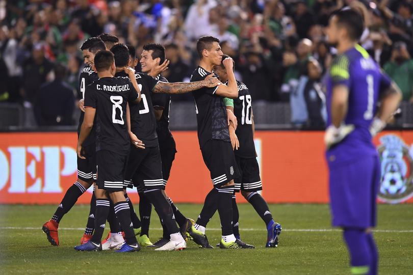 México consigue victoria sobre Chile en el debut de Gerardo Martino