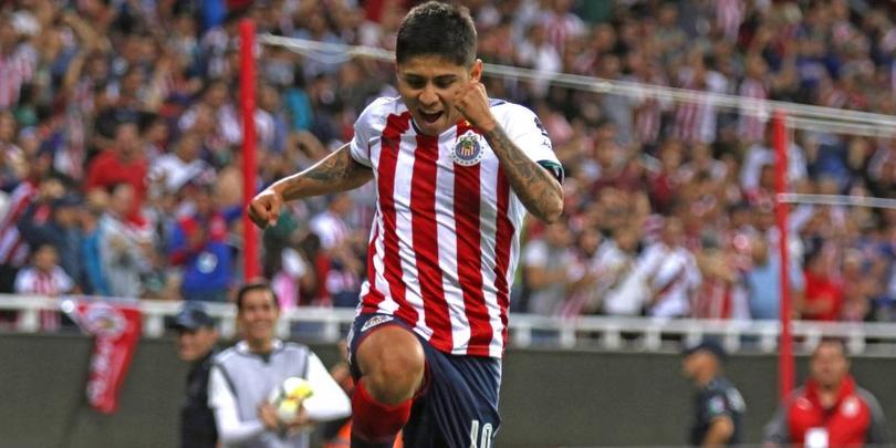 La Chofis López regresó con Chivas anotándole a Zacatepec