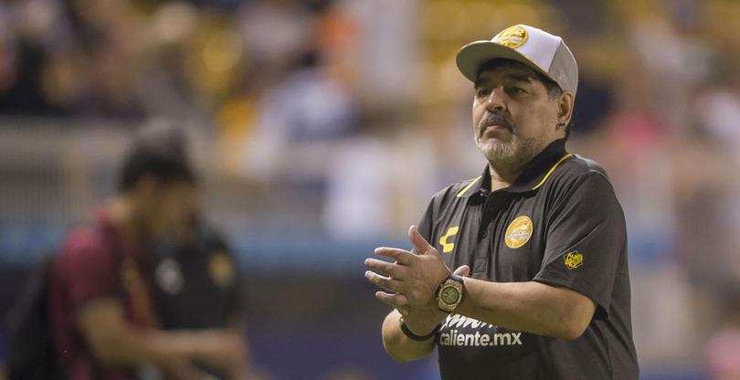 Maradona elogia al Tata Martino por su primer triunfo con México