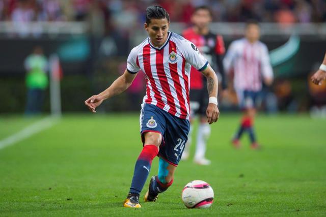 Carlos Cisneros estará fuera de cuatro a seis meses