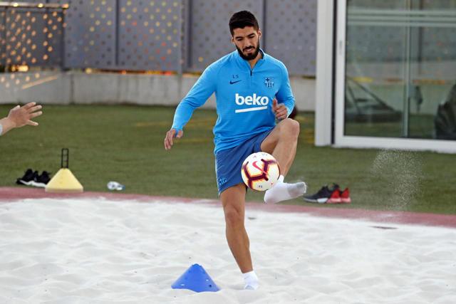 Luis Suárez no realizó la práctica completa como el resto de sus compañeros