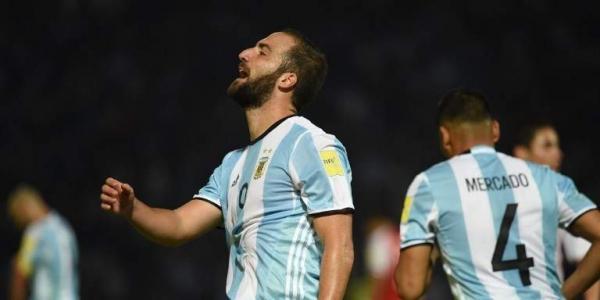 Gonzalo Higuaín decide retirarse de la Selección Argentina.