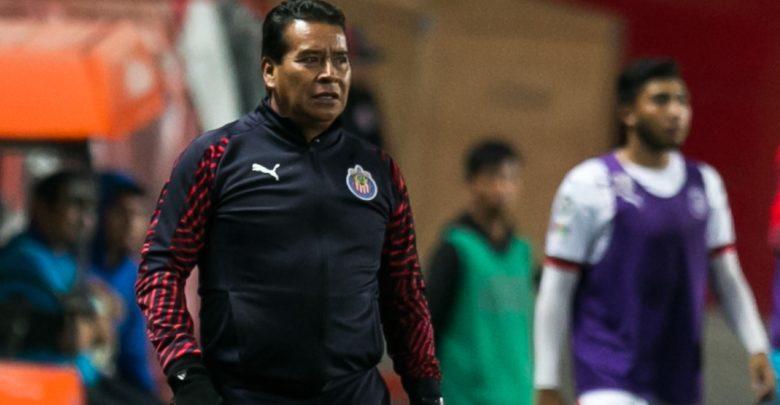 Alberto Coyote será técnico interino del primer equipo de Chivas