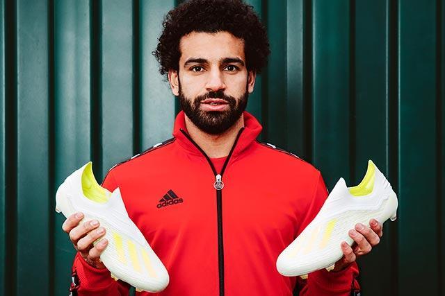 Mohamed Salah con los nuevos Virtuoso X de Adidas