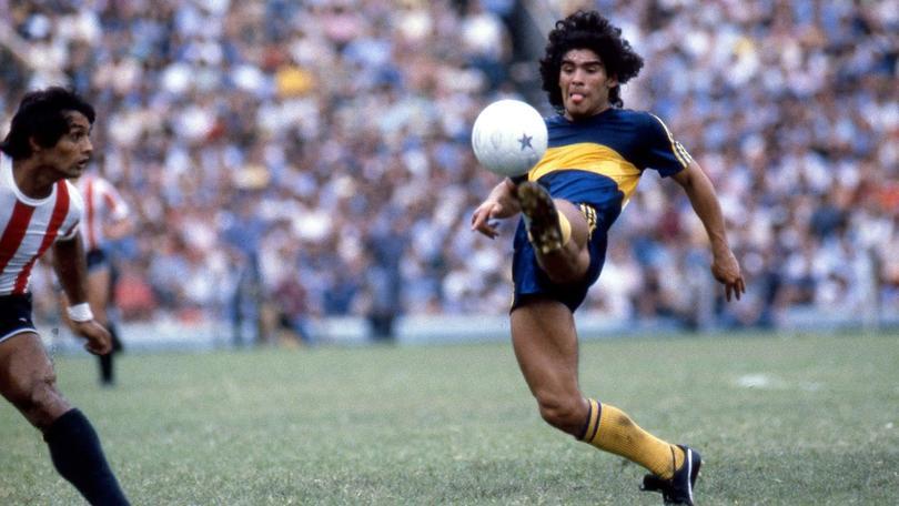 Diego Armando Maradona en un partido con Boca Juniors