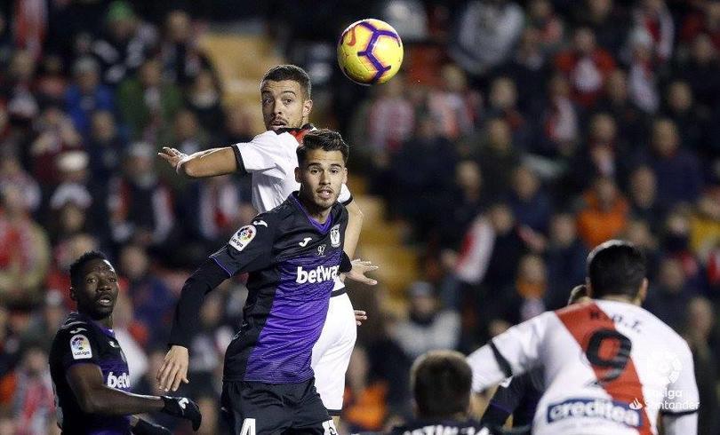 Diego Reyes en un partido con Leganés ante Rayo Vallecano
